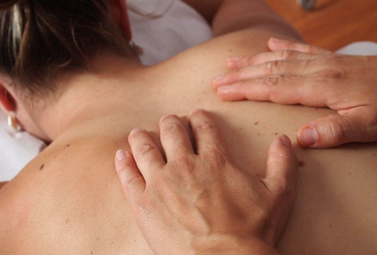 Massage therapist in Everett